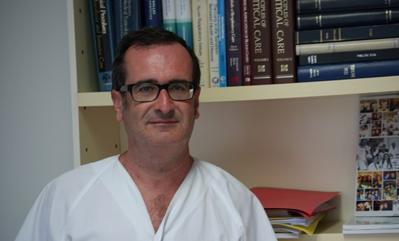 "Jordi Rello recibe la distincción ""honorary professor"" de la China Society Critical of Care Medicine."